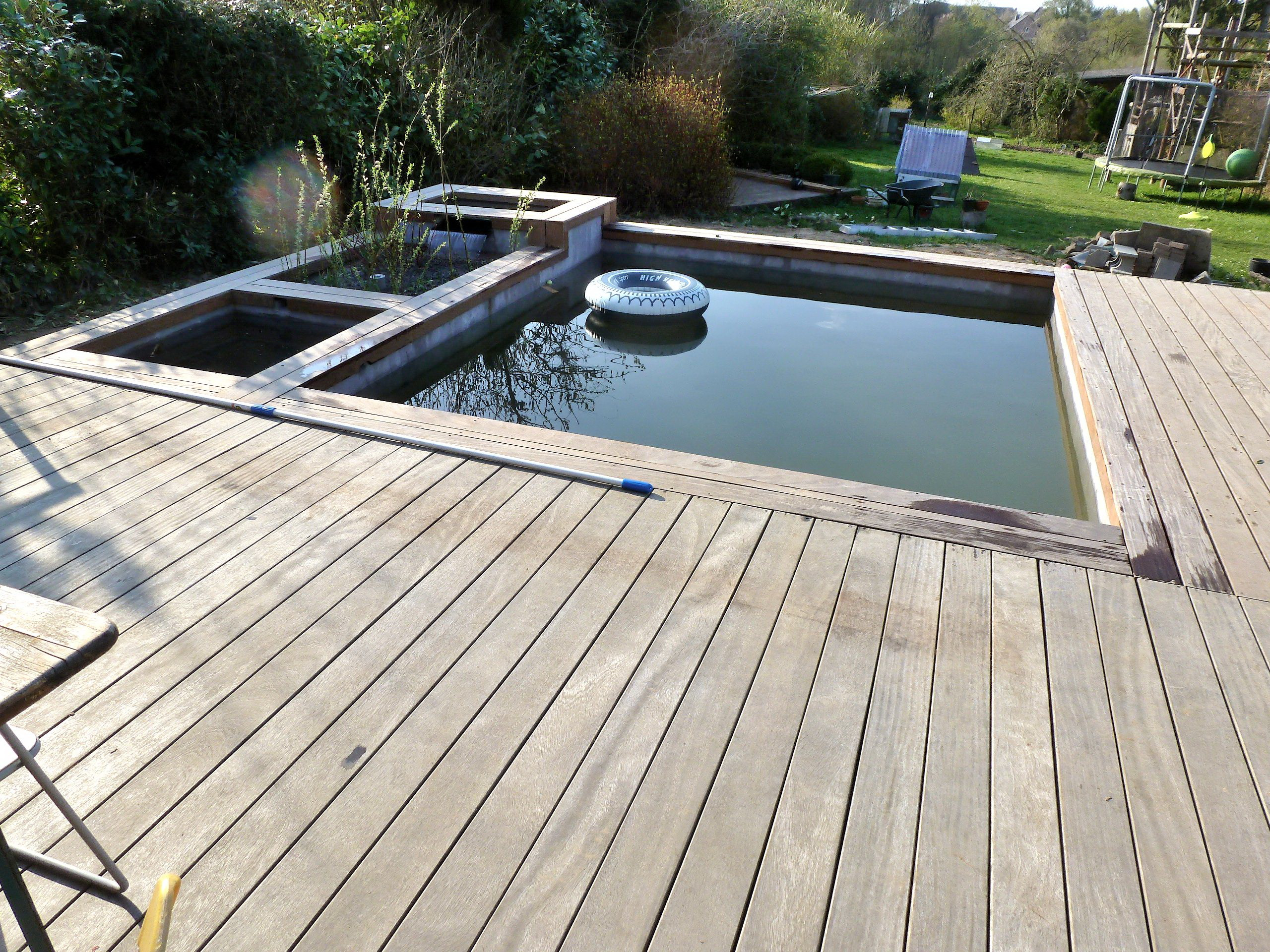 Hoe mijn zwembad kiezen lpw pools magazine - Natuurlijk zwembad ...