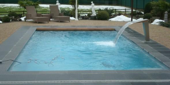 Bien choisir les accessoires de piscine for Entretien de piscine