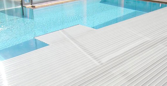 Comparaison piscine polyester et liner lpw pools magazine for Comparaison thermopompe piscine