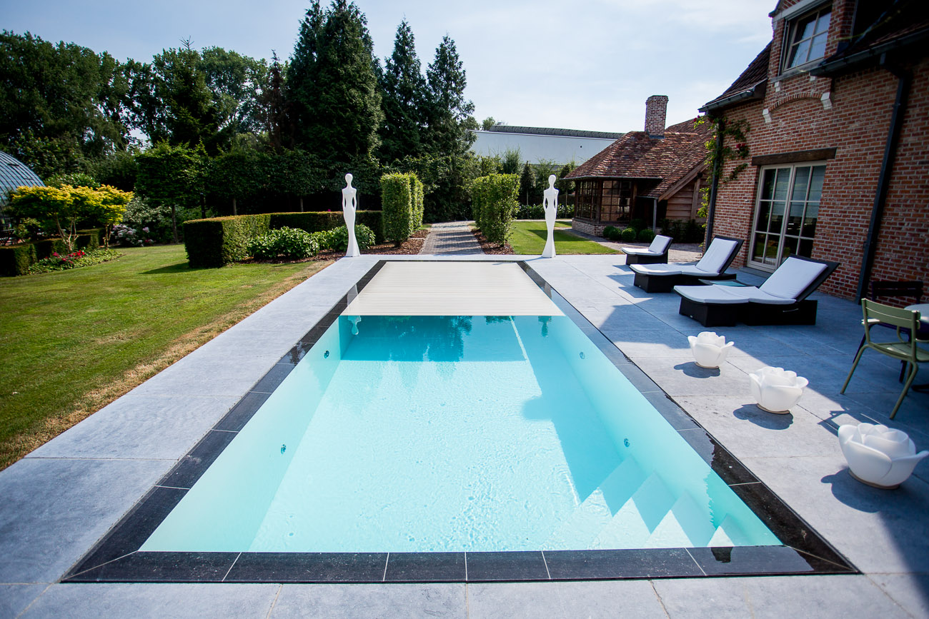 Installer une piscine et comprendre les diff rents types for Piscine miroir belgique
