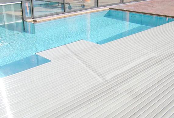 coque piscine rugueuse