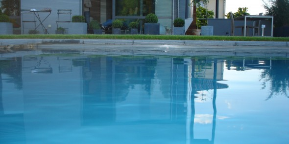 Vergelijking zwembad: gemetst zwembad of monokuip?