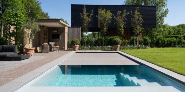 5 raisons de préférer une piscine coque à une piscine liner