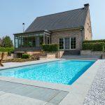Hoe positioneer je een zwembad in de tuin en welke ruimte moet je voorzien?